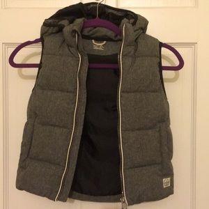Boys size 6-7 grey puffer vest H&M